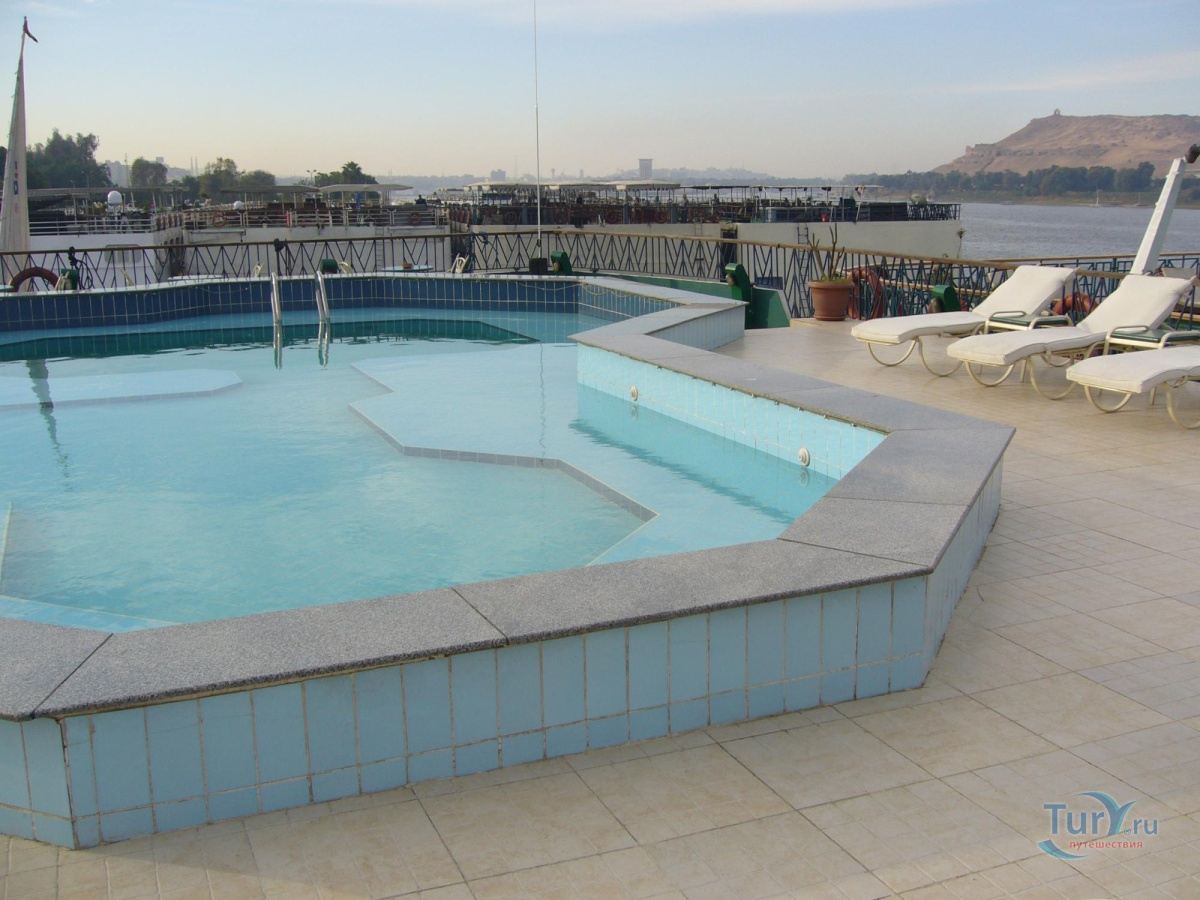 вицанти предлагает фото бассейн на платформе громово тебе любви
