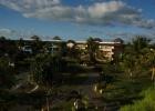 Фото туриста. вид с балкона на внутренний дворик