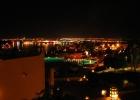Фото туриста. территория отеля вечером