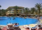 Фото туриста. Вид на бассейн и отель