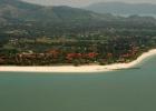 Фото туриста. Вид из самолёта на отель Pelangi
