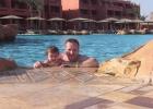Фото туриста. С дочкой в бассейне