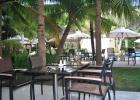 Фото туриста. вид на дворик из ресторана