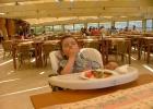 Фото туриста. Огромный приятный ресторан