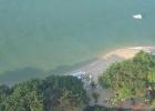Фото туриста. вид на пляж с балкона