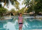 Фото туриста. Маша и бассейн