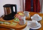 Фото туриста. чай, кофе в номере
