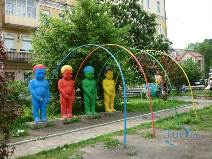 Украина киев писающие мальчики