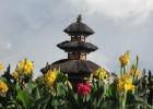 Фото туриста. храм на озере 'Братан'