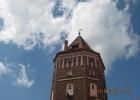 Фото туриста. Мирский замок, небо над башней...