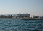 Фото туриста. вид с моря на отель