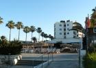 Фото туриста. вид на отель со стороны моря