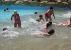 Фото туриста. бассейн с волнами