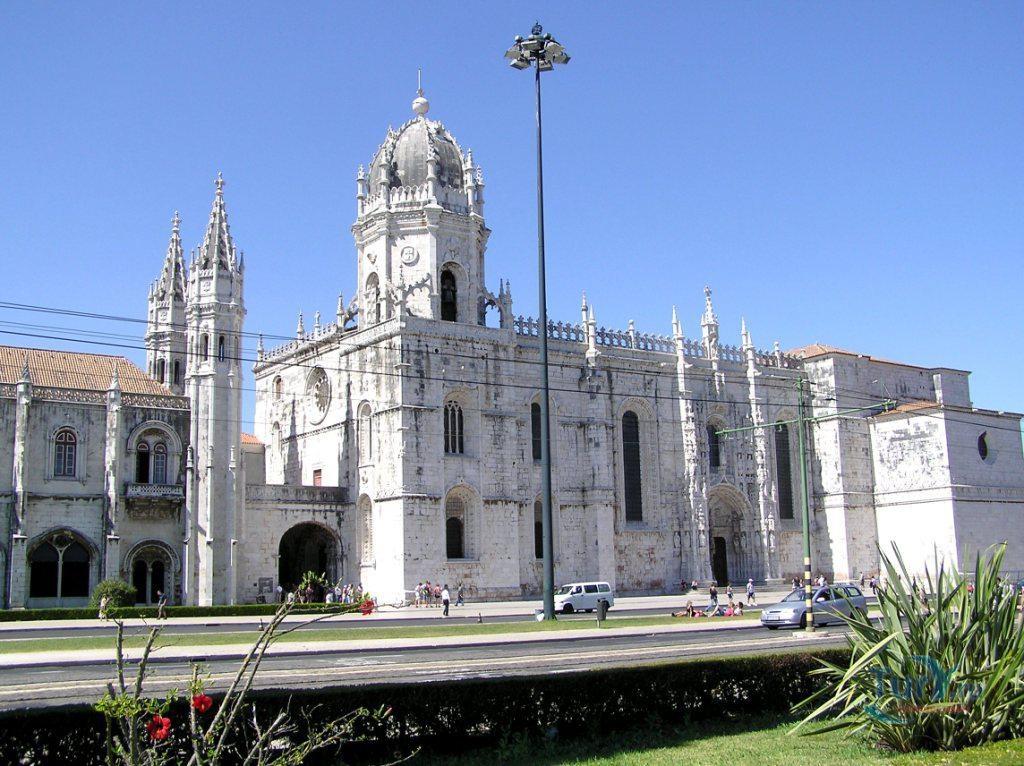 перед португалия жеронимуш фото и описание южного входа приведена подборка лучших