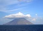 Фото туриста. Проходим мимо действующего вулкана Стромболи