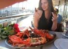 Фото туриста. морепродукты в ресторанчике на набережной
