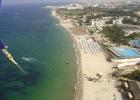 Фото туриста. Вид на отели Муранди Палас- дальше, и клаб -ближе с парашюта
