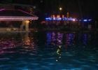 Фото туриста. бассейн вечером