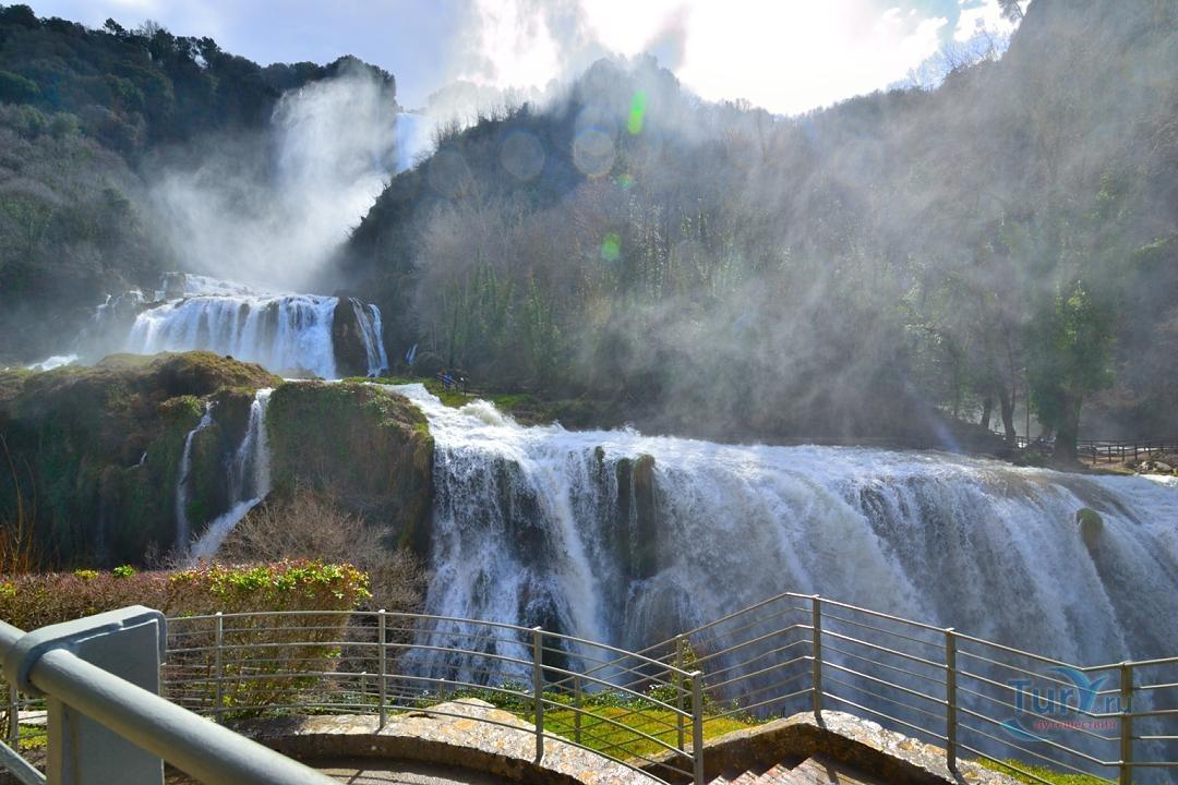 мраморные водопады сполето фото высоких скоростях
