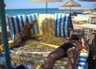 Фото туриста. И пусть после этого говорят, что нет свободных лежаков!!!!