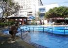 Фото туриста. У бассейна в отеле.
