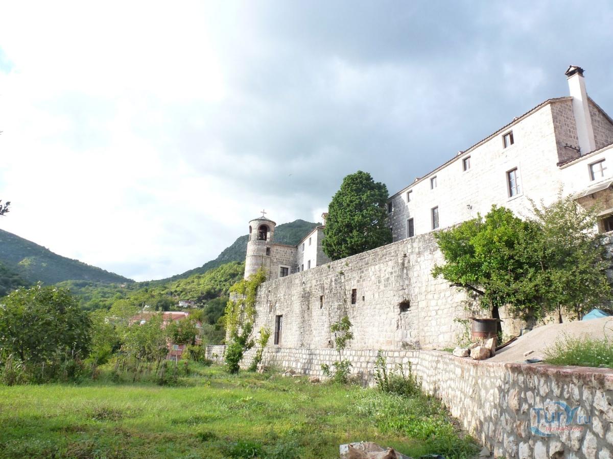 дом, подострог будва монастырь фото сбыт