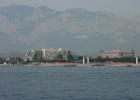 Фото туриста. Вид на отель, с яхты.