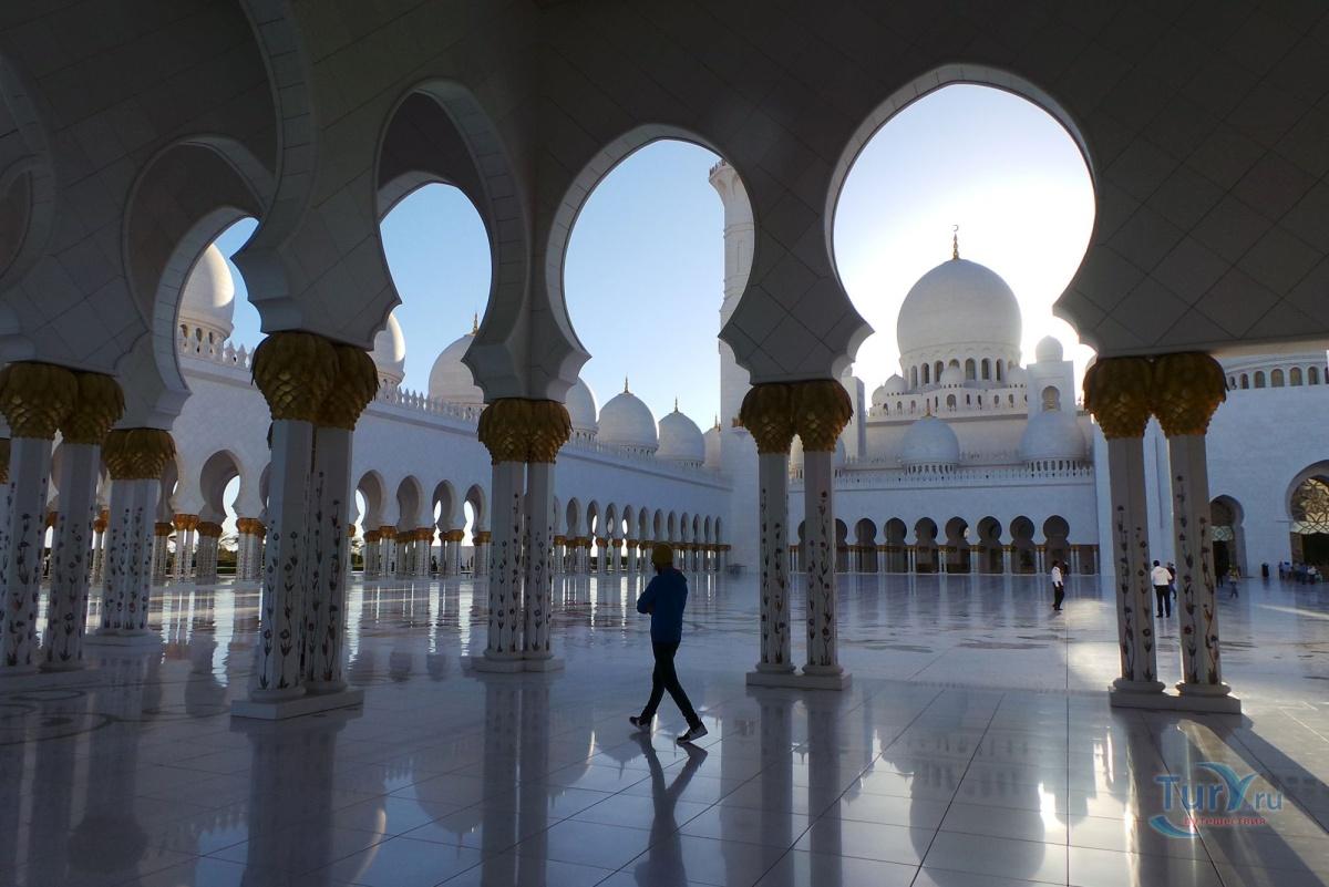 экскурсия в абу даби фото туристов мечети зрачка при осторожном