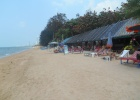 Фото туриста. на пляже очень малолюдно