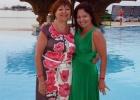 Фото туриста. С мамой у нашего бассейна. За спиной-бар