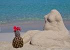 Фото туриста. Скульптура из песка