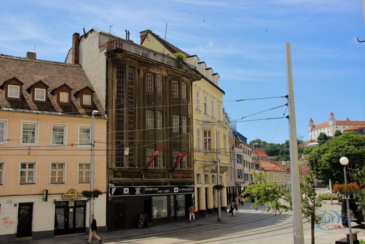 Братислава фото старые дома