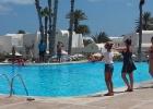 Фото туриста. Танцы у бассейна