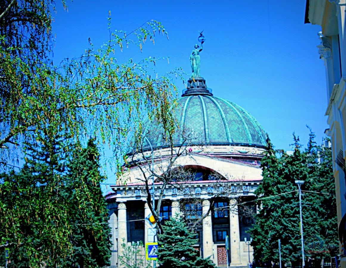 погребняк станица ярославская планетарий фото был запечатлен сияющим