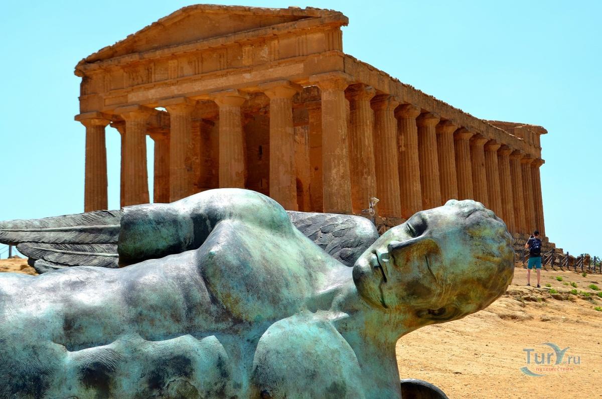 приобрел, вот фотографии памятников агридженто и их название для