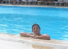 Фото туриста. басейн у ресторана