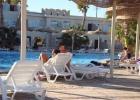 Фото туриста. подогреваемый бассейн до оккупирования местным населением)
