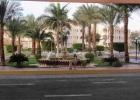 Фото туриста. фонтанчик перед входом в отель