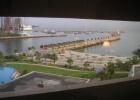 Фото туриста. вид из окна на судоремонтный завод