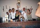Фото туриста. Дружная семья барменов