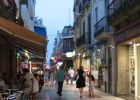 Фото туриста. местная колоритная улочка