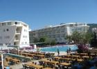 Фото туриста. жилые корпуса бассейн ресторан на улице