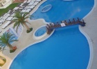 Фото туриста. вид сверху на бассейн