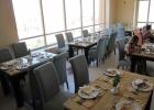 Фото туриста. Грязные тарелки могли стоять на столах и по 15 минут, их как будто временами не замечали!