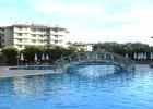 Фото туриста. басейн у ресторана :)