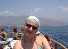 Фото туриста. на яхте по побережью