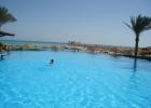 Фото туриста. бассейн у бара, надо плыть :)