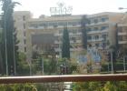 Фото туриста. Вид на отель из ресторана напротив Chesters
