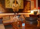 Фото туриста. В холле отеля!